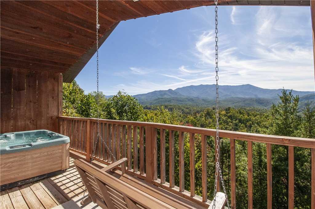 Photo of a Gatlinburg Cabin named Sweet Heart - This is the first photo in the set.