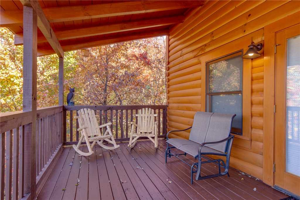 Photo of a Sevierville Cabin named Lookout Ridge - This is the twenty-sixth photo in the set.