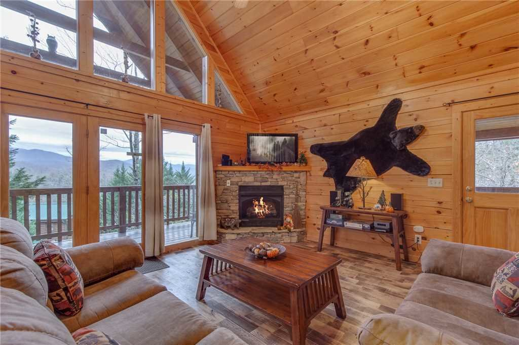 Photo of a Gatlinburg Cabin named Whisper Mountain - This is the first photo in the set.