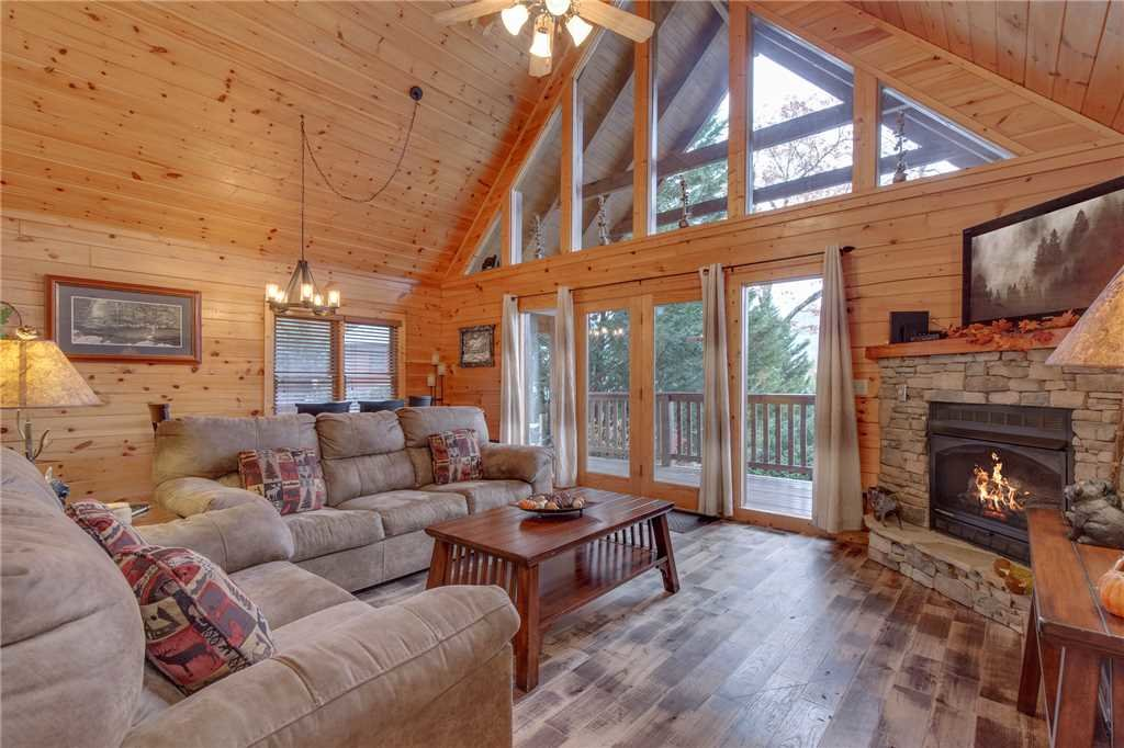 Photo of a Gatlinburg Cabin named Whisper Mountain - This is the fourth photo in the set.