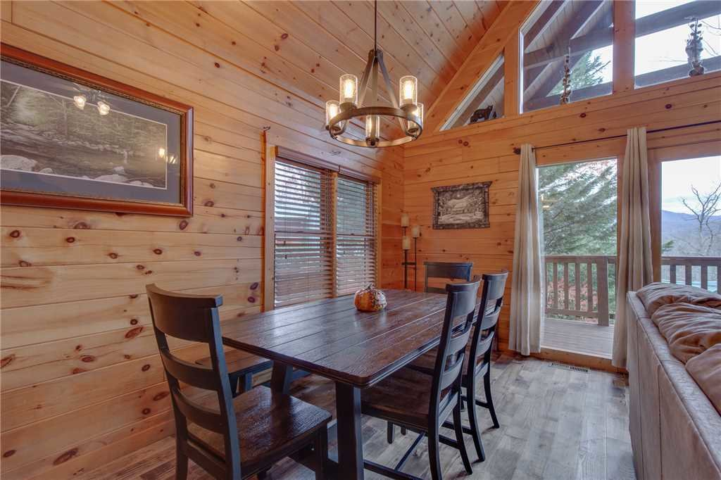 Photo of a Gatlinburg Cabin named Whisper Mountain - This is the sixth photo in the set.