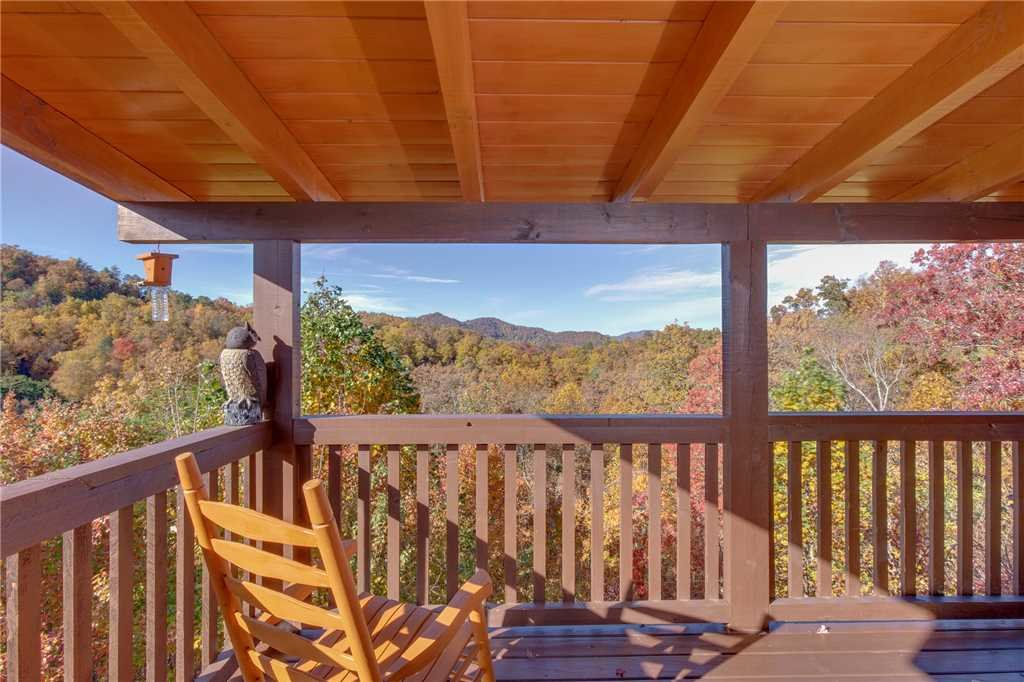 Photo of a Sevierville Cabin named Lookout Ridge - This is the thirty-first photo in the set.