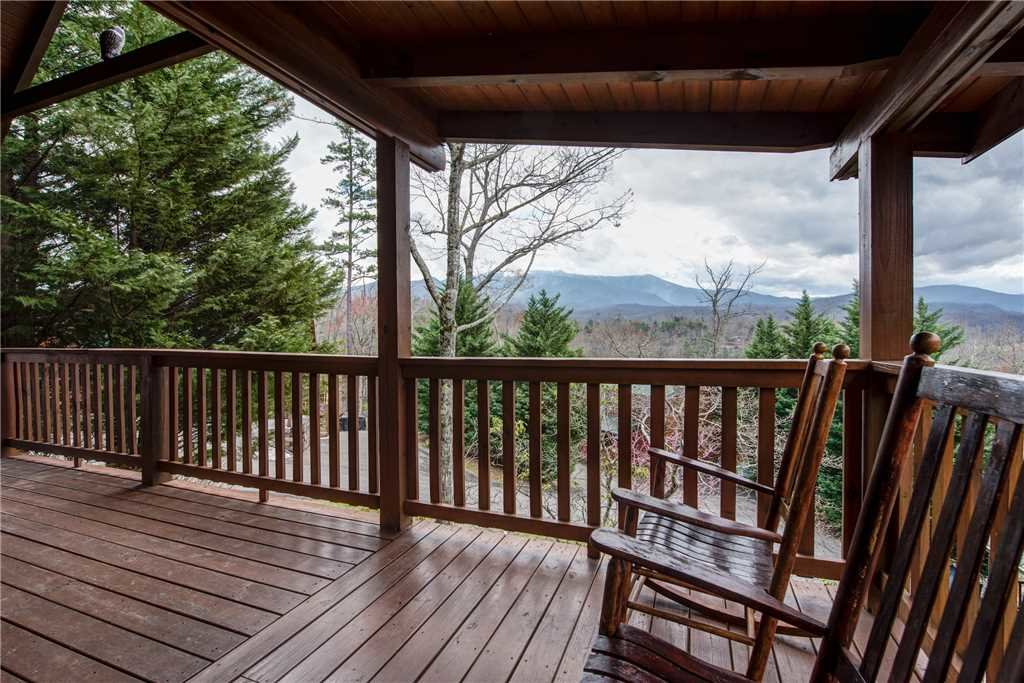 Photo of a Gatlinburg Cabin named Whisper Mountain - This is the seventeenth photo in the set.