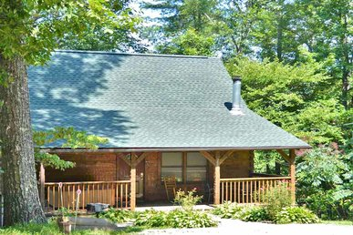 Nature's Hideaway, 2 Bedrooms, Privacy, Hot Tub, Jetted Tub, Sleeps 6