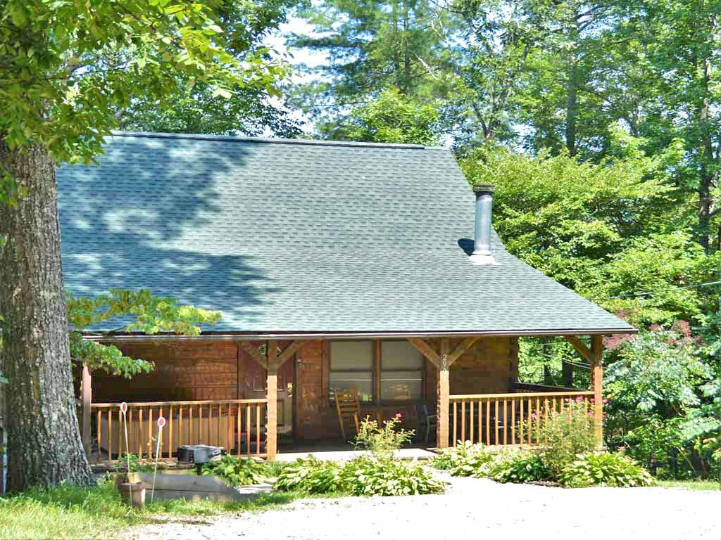 Photo of a Gatlinburg Cabin named Nature's Hideaway - This is the first photo in the set.