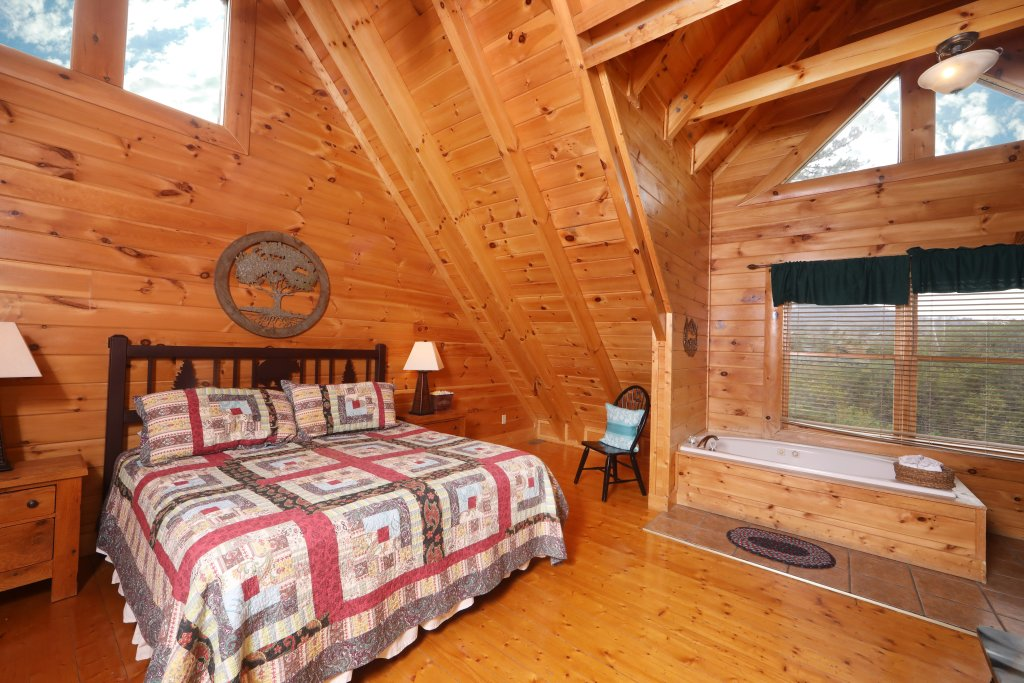 Photo of a Pigeon Forge Cabin named Echoes Of Eden - This is the twelfth photo in the set.