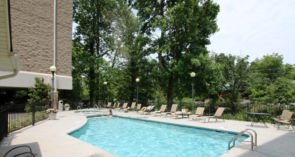 Photo of a Pigeon Forge Condo named Cedar Lodge 705 - This is the forty-first photo in the set.