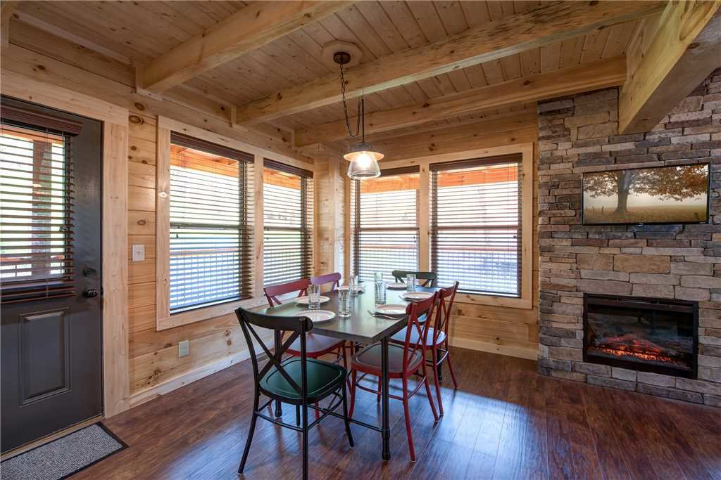 Photo of a Pigeon Forge Cabin named Woodland Escape - This is the fifth photo in the set.