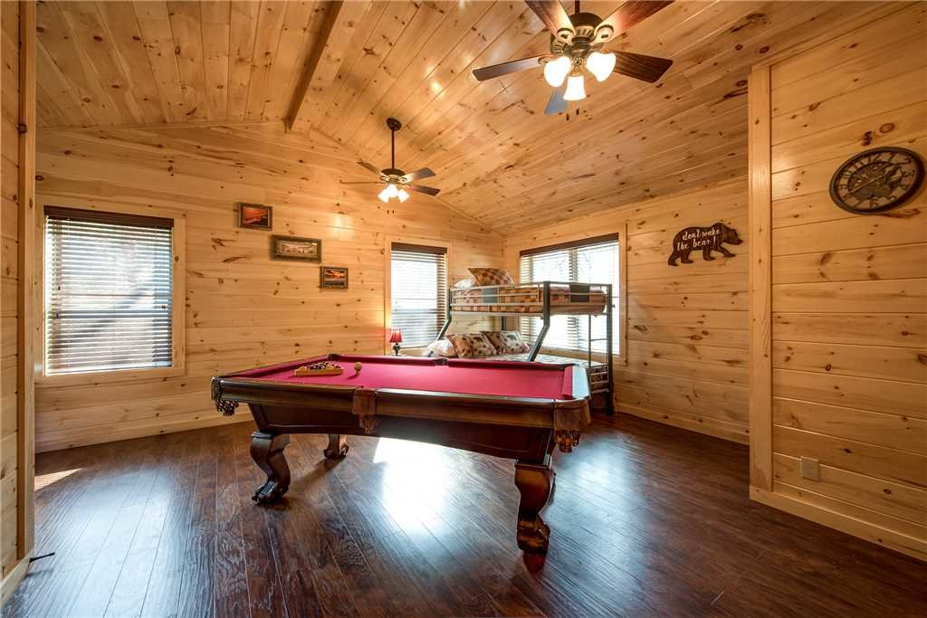 Photo of a Pigeon Forge Cabin named Woodland Escape - This is the ninth photo in the set.
