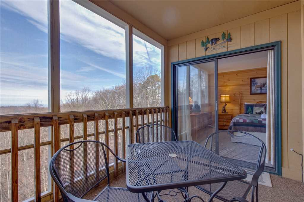Photo of a Gatlinburg Condo named Ski View Mountain Resort 305 - This is the twelfth photo in the set.