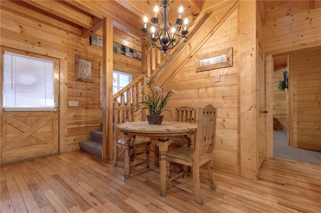 Photo of a Pigeon Forge Cabin named Water's Edge Retreat - This is the twelfth photo in the set.
