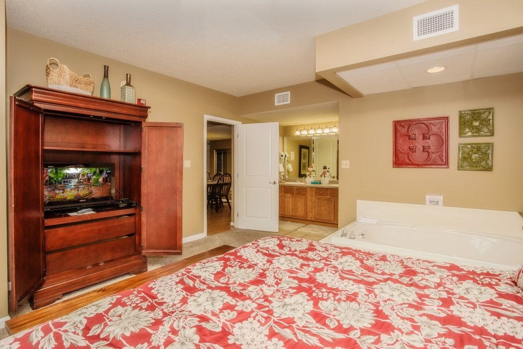 Photo of a Pigeon Forge Condo named Cedar Lodge 101 - This is the fourteenth photo in the set.