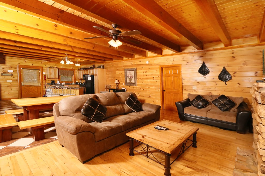 Photo of a Pigeon Forge Cabin named Smoky Mountain Cinema - This is the eighth photo in the set.