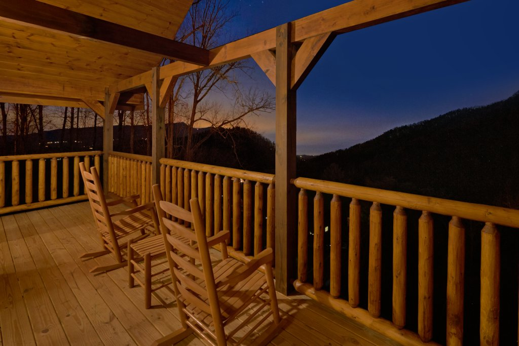 Photo of a Sevierville Cabin named Otter Springs Pool Cabin - This is the fourth photo in the set.