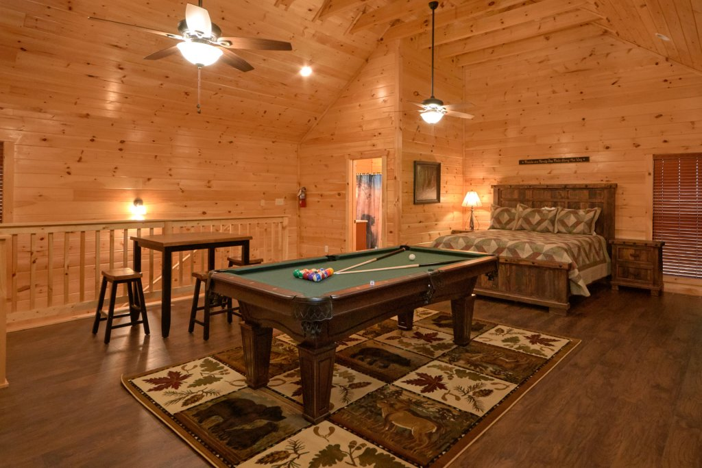 Photo of a Sevierville Cabin named Otter Springs Pool Cabin - This is the ninth photo in the set.