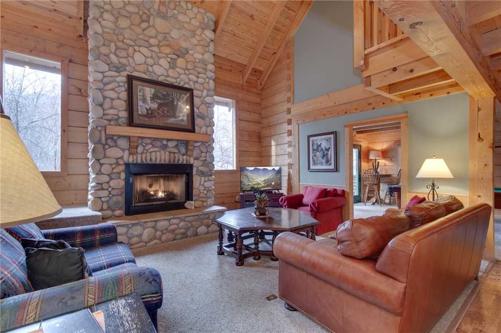 Photo of a Gatlinburg Cabin named Big Bear 2 - This is the first photo in the set.
