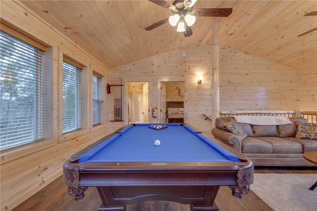 Photo of a Pigeon Forge Cabin named High Life - This is the tenth photo in the set.