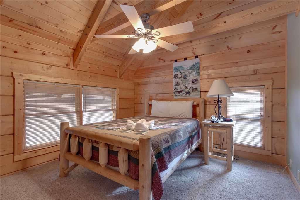 Photo of a Gatlinburg Cabin named Big Bear 2 - This is the twentieth photo in the set.