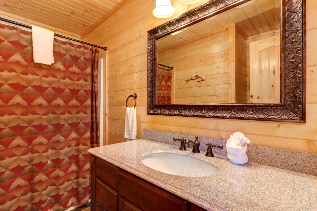 Photo of a Sevierville Cabin named Bear Valley Lodge - This is the thirty-second photo in the set.