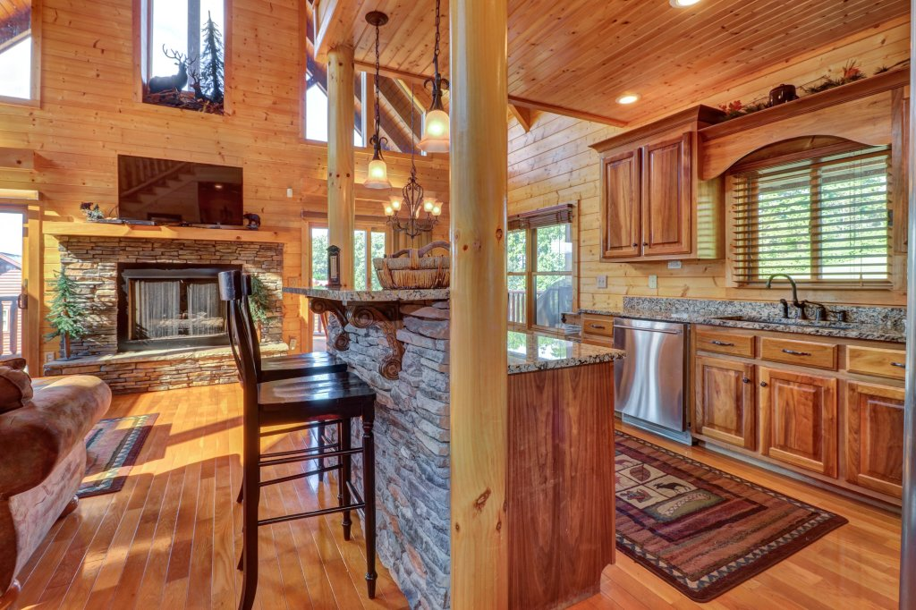 Photo of a Sevierville Cabin named Bear Valley Lodge - This is the twenty-second photo in the set.