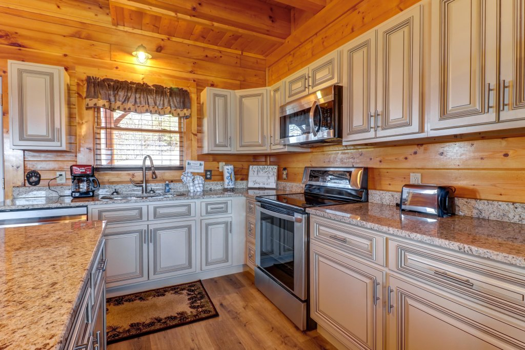 Photo of a Sevierville Cabin named A Higher Calling - This is the third photo in the set.