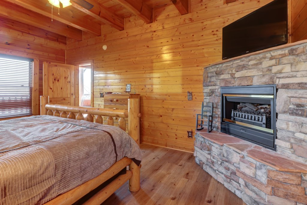 Photo of a Sevierville Cabin named A Higher Calling - This is the eighteenth photo in the set.
