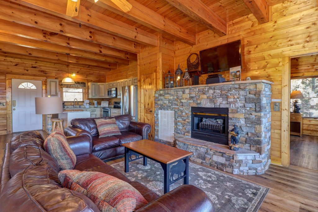 Photo of a Sevierville Cabin named A Higher Calling - This is the sixth photo in the set.