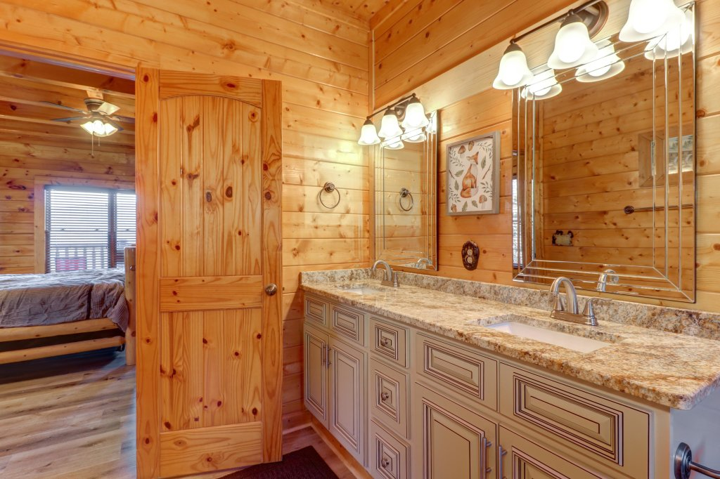 Photo of a Sevierville Cabin named A Higher Calling - This is the fifteenth photo in the set.