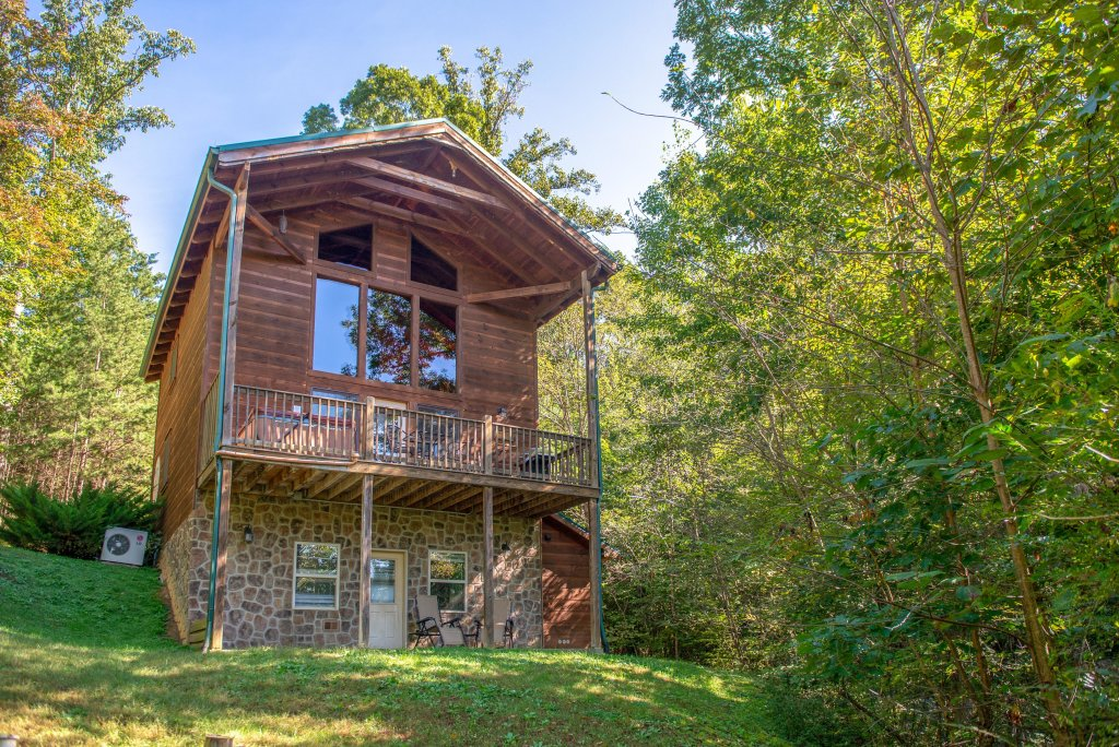 Photo of a Pigeon Forge Cabin named Skinny Dippin - This is the twelfth photo in the set.
