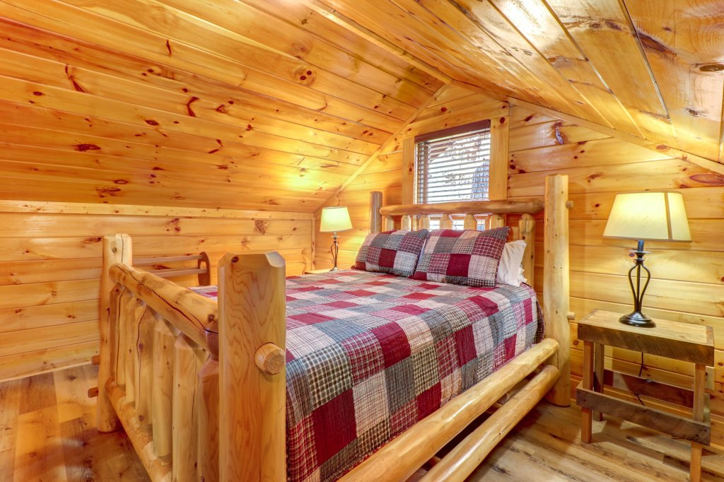 Photo of a Sevierville Cabin named A Higher Calling - This is the twenty-fourth photo in the set.