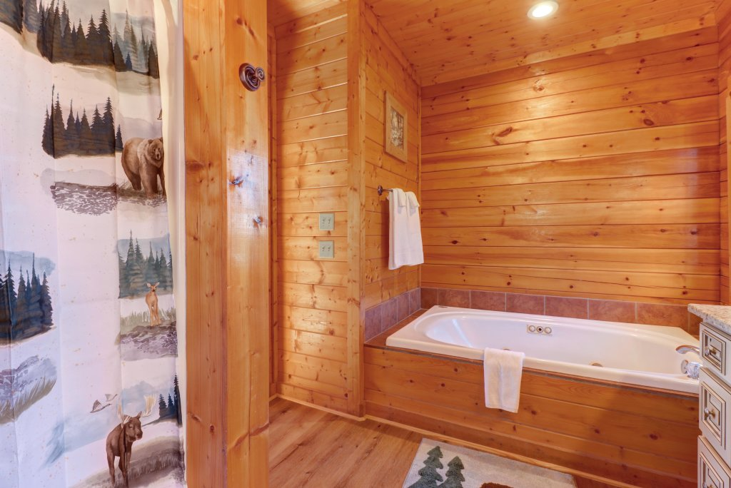 Photo of a Sevierville Cabin named A Higher Calling - This is the thirty-sixth photo in the set.