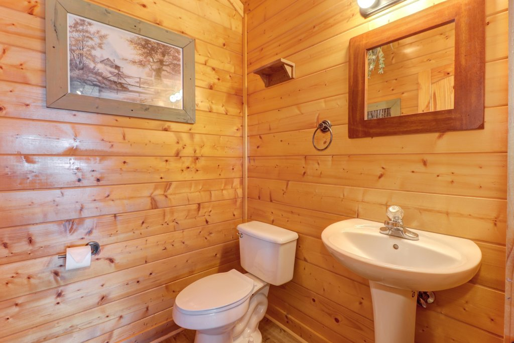 Photo of a Sevierville Cabin named A Higher Calling - This is the twenty-third photo in the set.