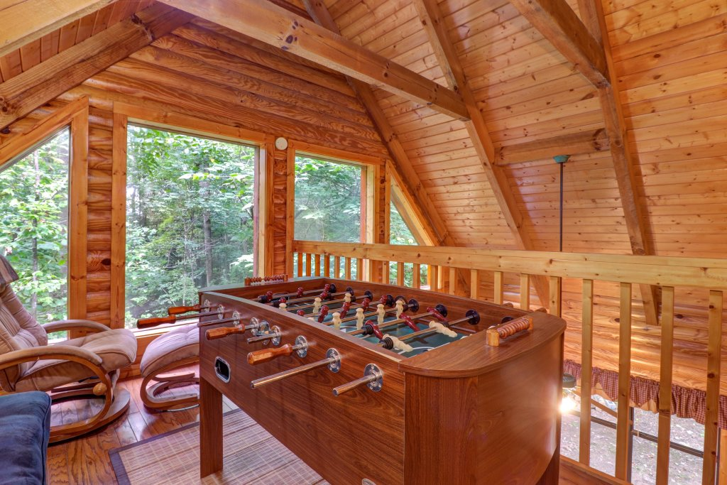 Photo of a Sevierville Cabin named Friendly Bear Cabin - This is the fifth photo in the set.