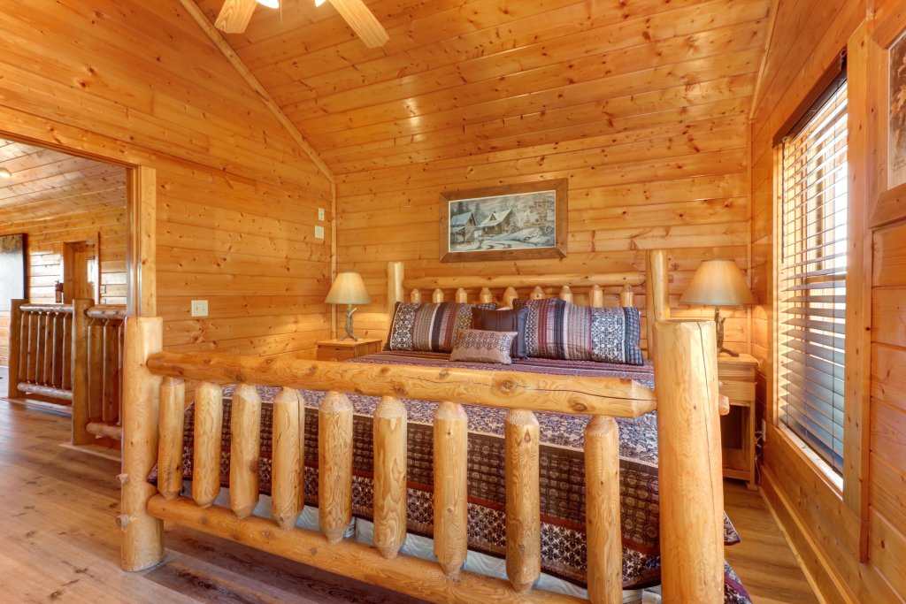 Photo of a Sevierville Cabin named A Higher Calling - This is the thirty-eighth photo in the set.