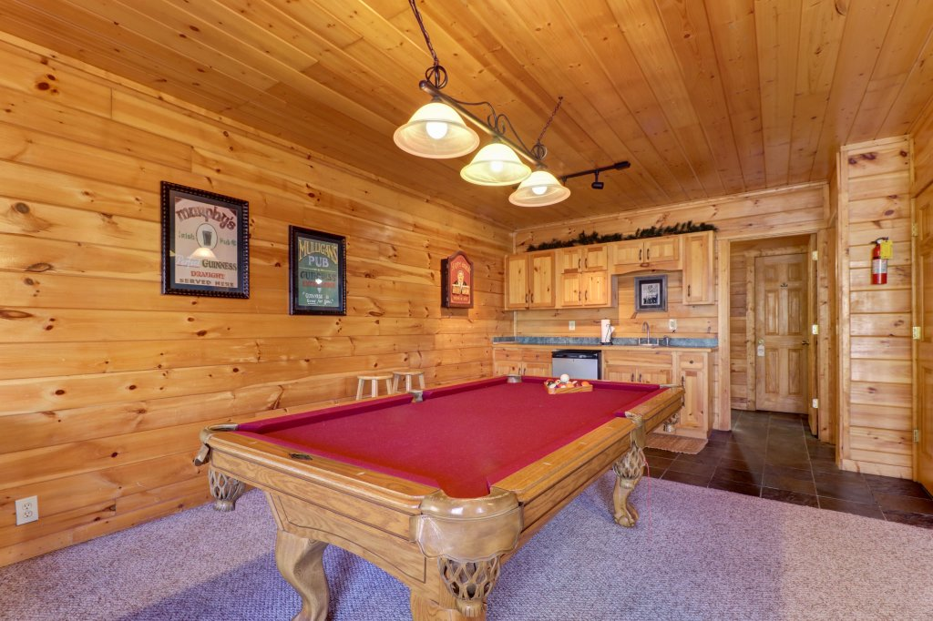 Photo of a Pigeon Forge Cabin named Gristmill Getaway - This is the fifth photo in the set.