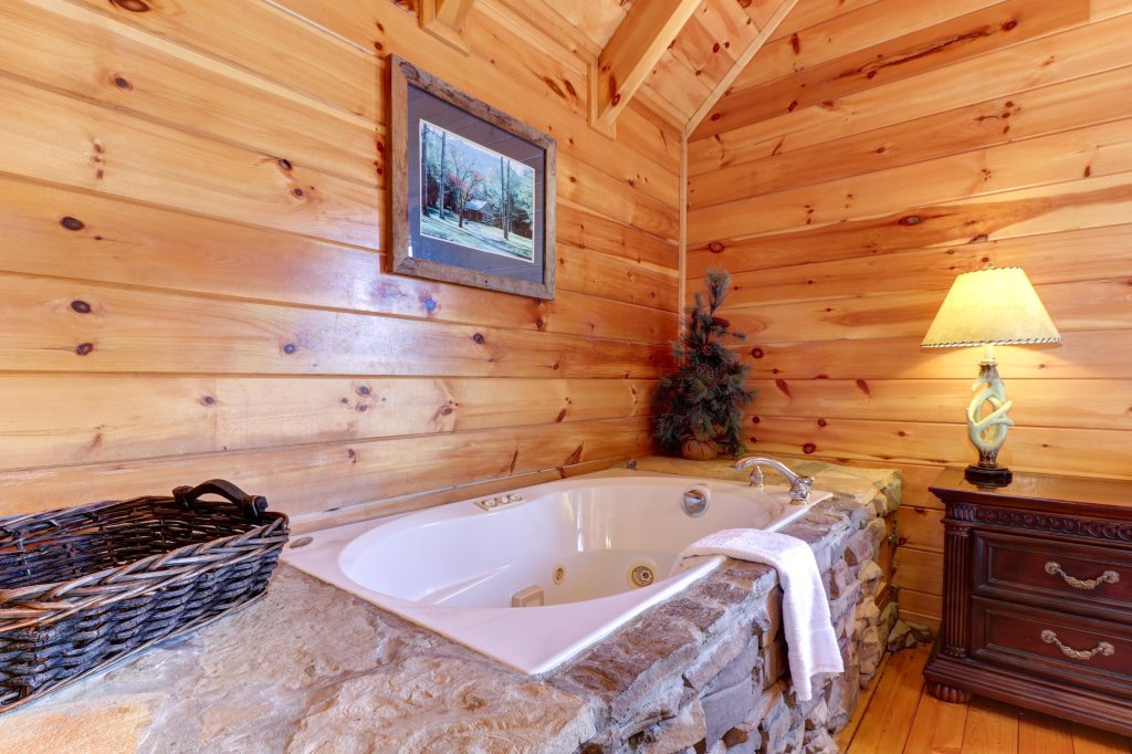 Photo of a Pigeon Forge Cabin named Gristmill Getaway - This is the forty-fourth photo in the set.
