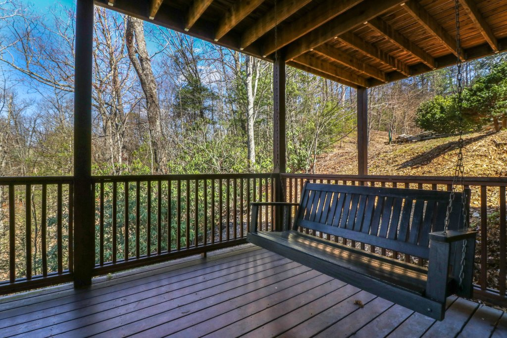 Photo of a Pigeon Forge Cabin named Gristmill Getaway - This is the nineteenth photo in the set.