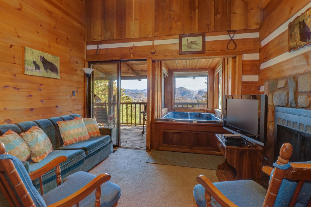 Photo of a Sevierville Cabin named Bearly Heaven - This is the thirty-first photo in the set.