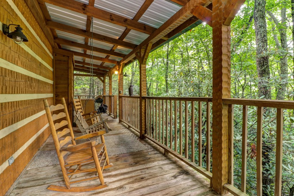 Photo of a Sevierville Cabin named Creekside - This is the twenty-eighth photo in the set.