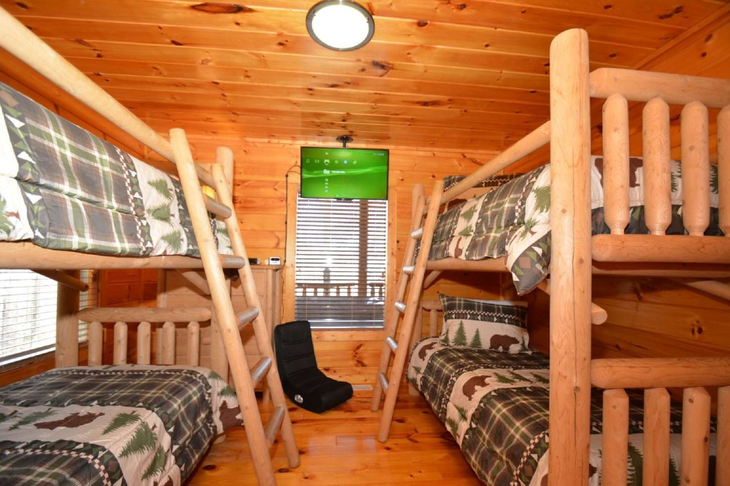 Photo of a Sevierville Cabin named Hidden Haven - This is the third photo in the set.