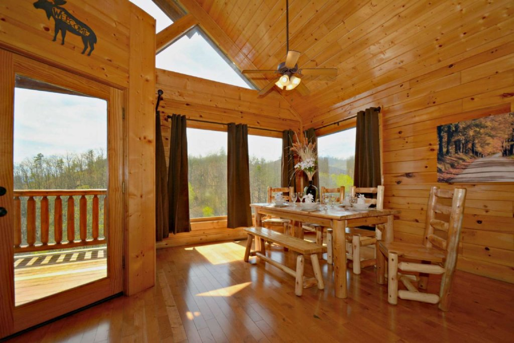 Photo of a Pigeon Forge Cabin named View Of Paradise - This is the first photo in the set.
