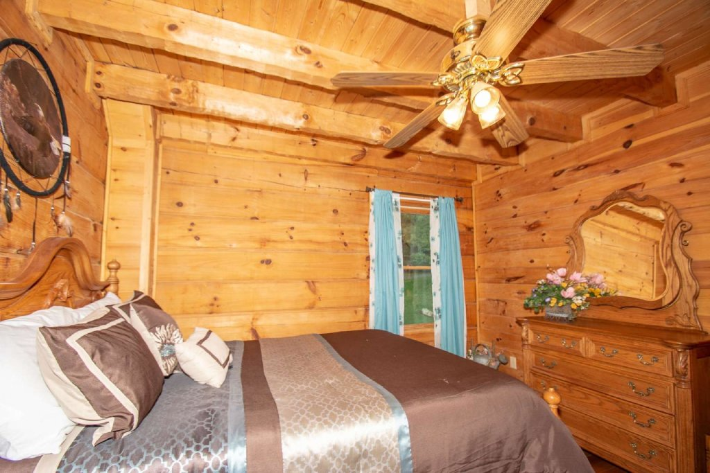 Photo of a Pigeon Forge Cabin named Lasting Impressions Lodge - This is the nineteenth photo in the set.