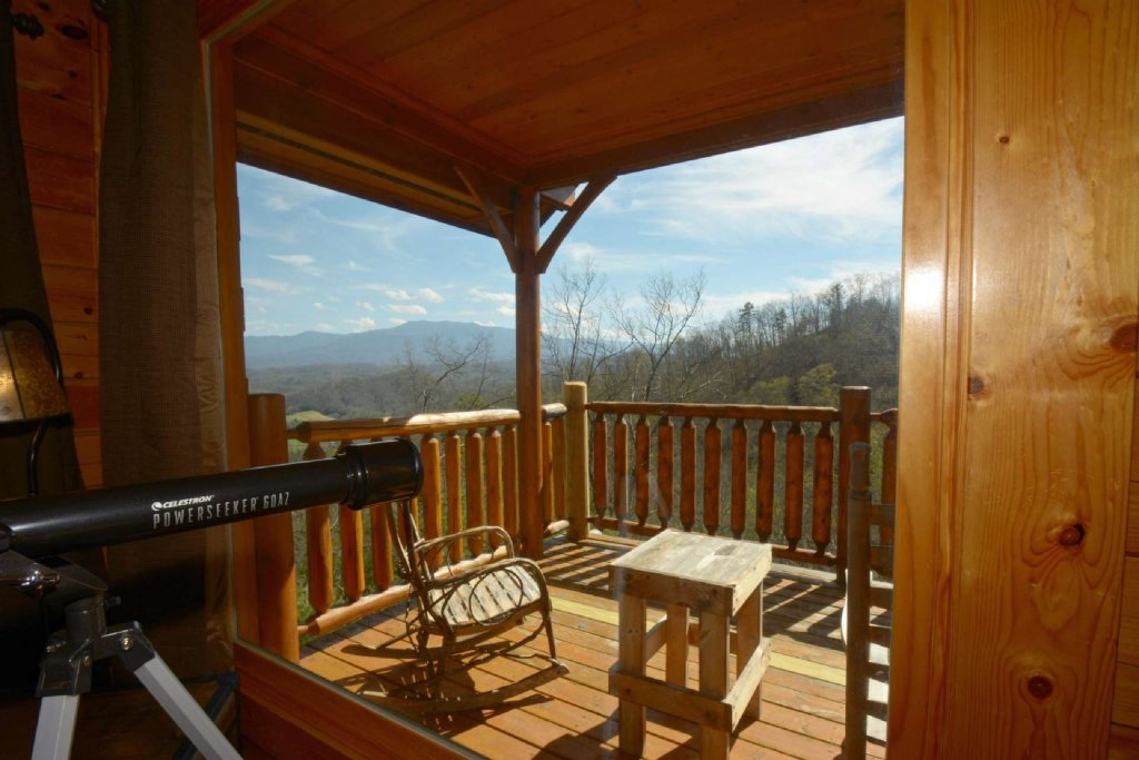 Photo of a Pigeon Forge Cabin named View Of Paradise - This is the fifth photo in the set.