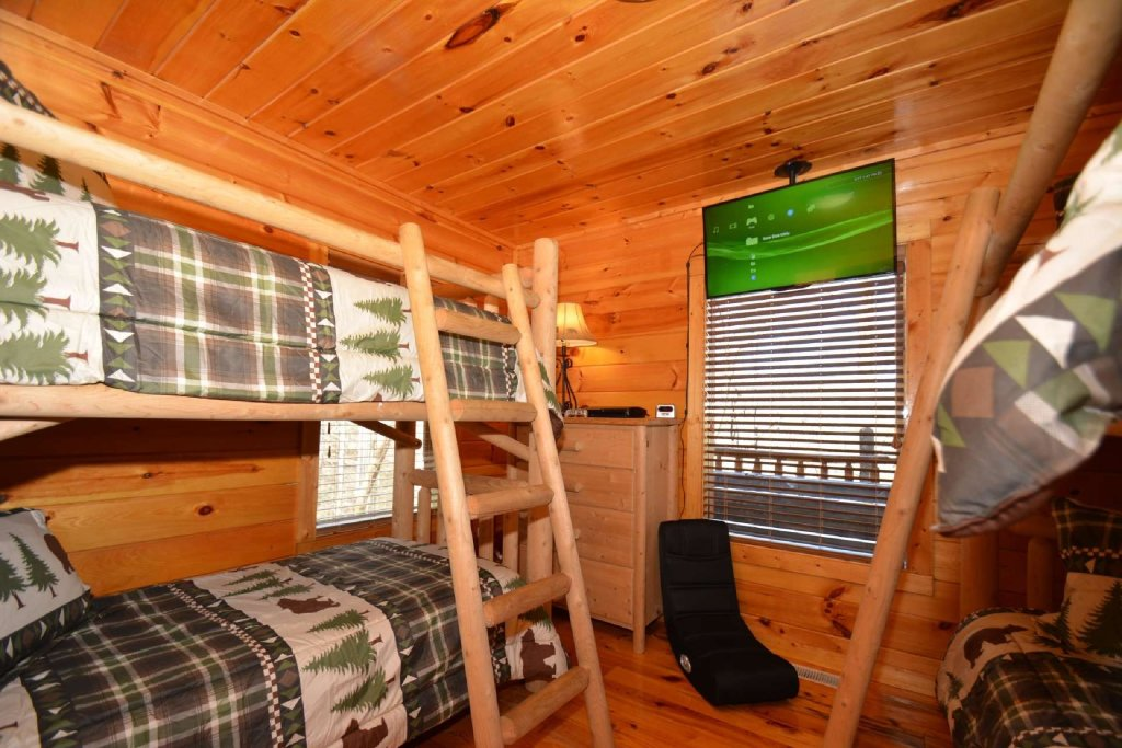 Photo of a Sevierville Cabin named Hidden Haven - This is the ninth photo in the set.
