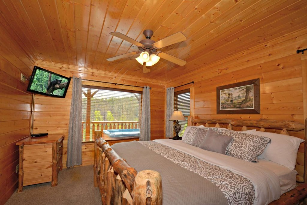 Photo of a Pigeon Forge Cabin named View Of Paradise - This is the sixteenth photo in the set.