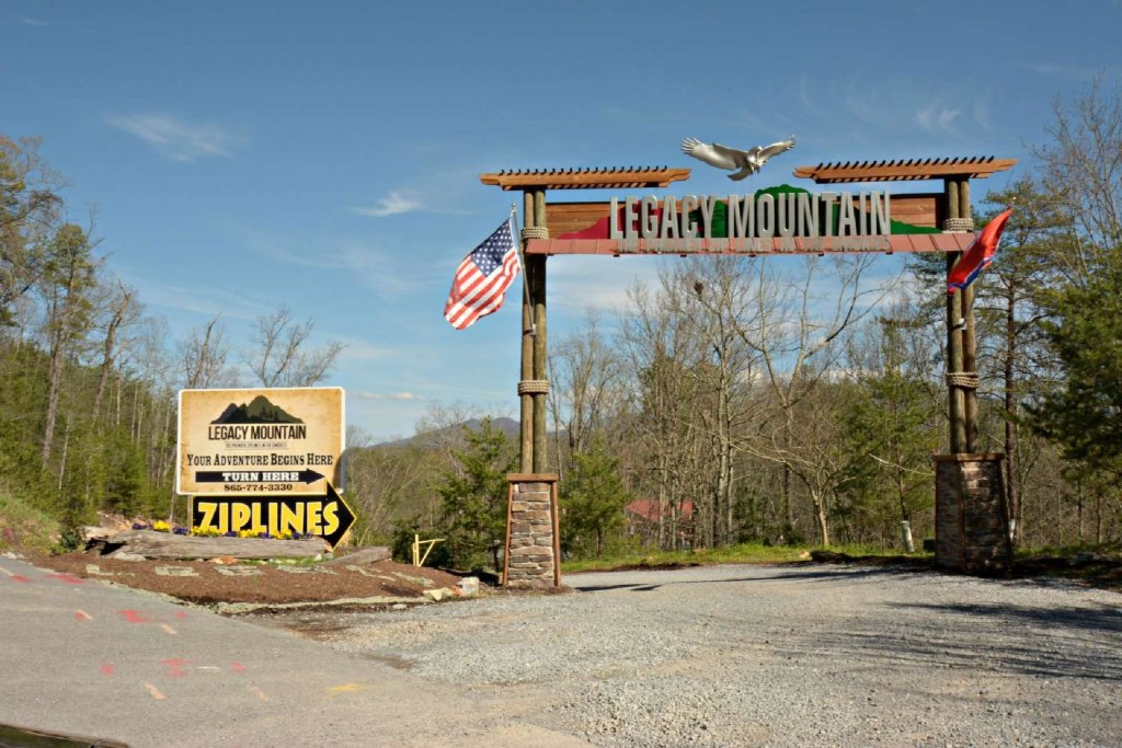 Photo of a Pigeon Forge Cabin named View Of Paradise - This is the twenty-second photo in the set.