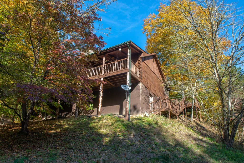 Photo of a Gatlinburg Cabin named Beartracks Bungalow - This is the twenty-ninth photo in the set.