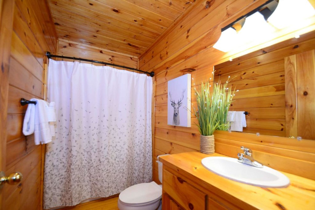 Photo of a Sevierville Cabin named Hidden Haven - This is the tenth photo in the set.