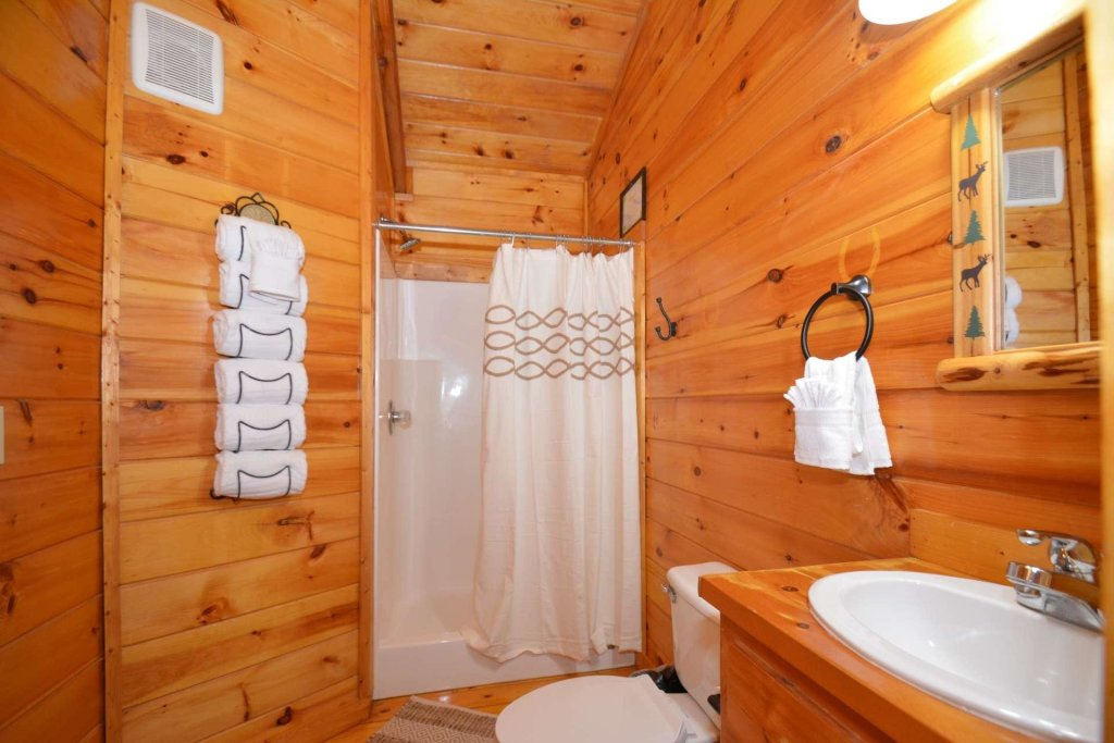 Photo of a Sevierville Cabin named Hidden Haven - This is the thirtieth photo in the set.