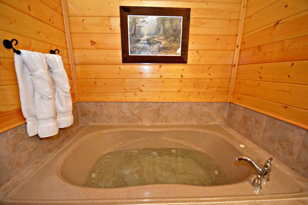 Photo of a Pigeon Forge Cabin named View Of Paradise - This is the fifteenth photo in the set.